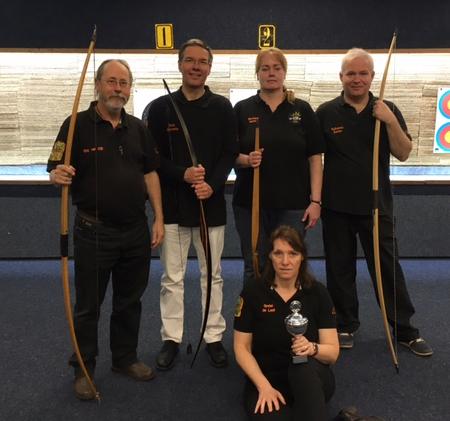 Instinctive bow team. Eric, Dick, Monique, Guilhermo en Gretel.